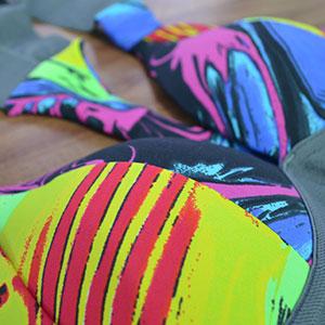 Desenhos coloridos Fundo Preto Elástico Cinza